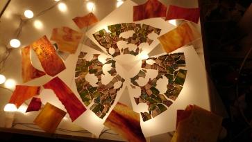 LAMPA TIFFANY | Pastelowe Tulipany ⌀ 35 cm witrażowa